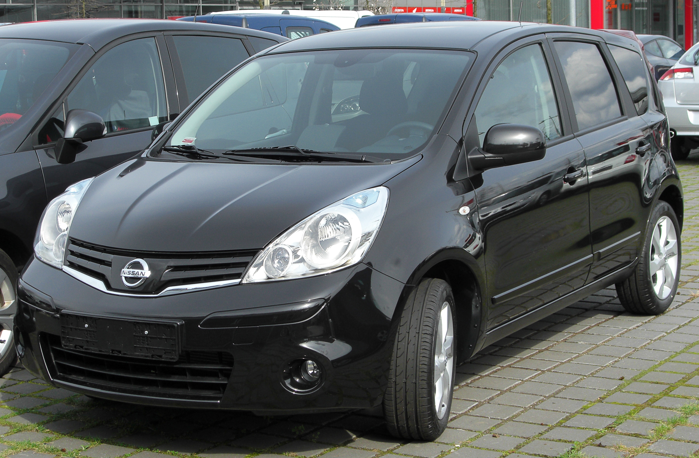 Related posts with com 2 el nissan note nissan note 1 5 dci visia pictures to pin on